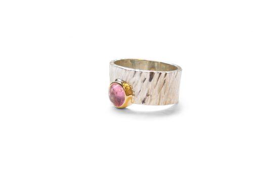 Robuuste ringen – Goud en toermalijn